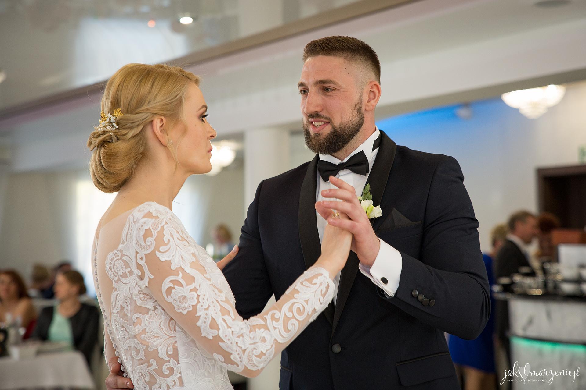 Zdjęcia Ślubne Sala Bankietowa Załęcze - Patrycja i Krzysztof