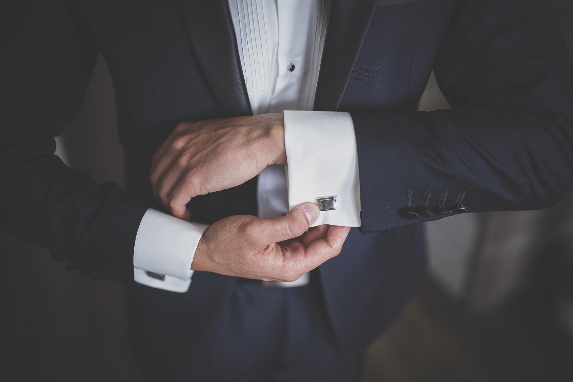 Detal ślubny - mankiety
