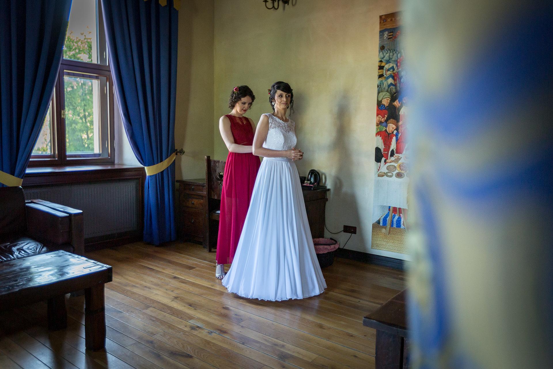 Przygotowania - Zakładanie Sukni ślubnej