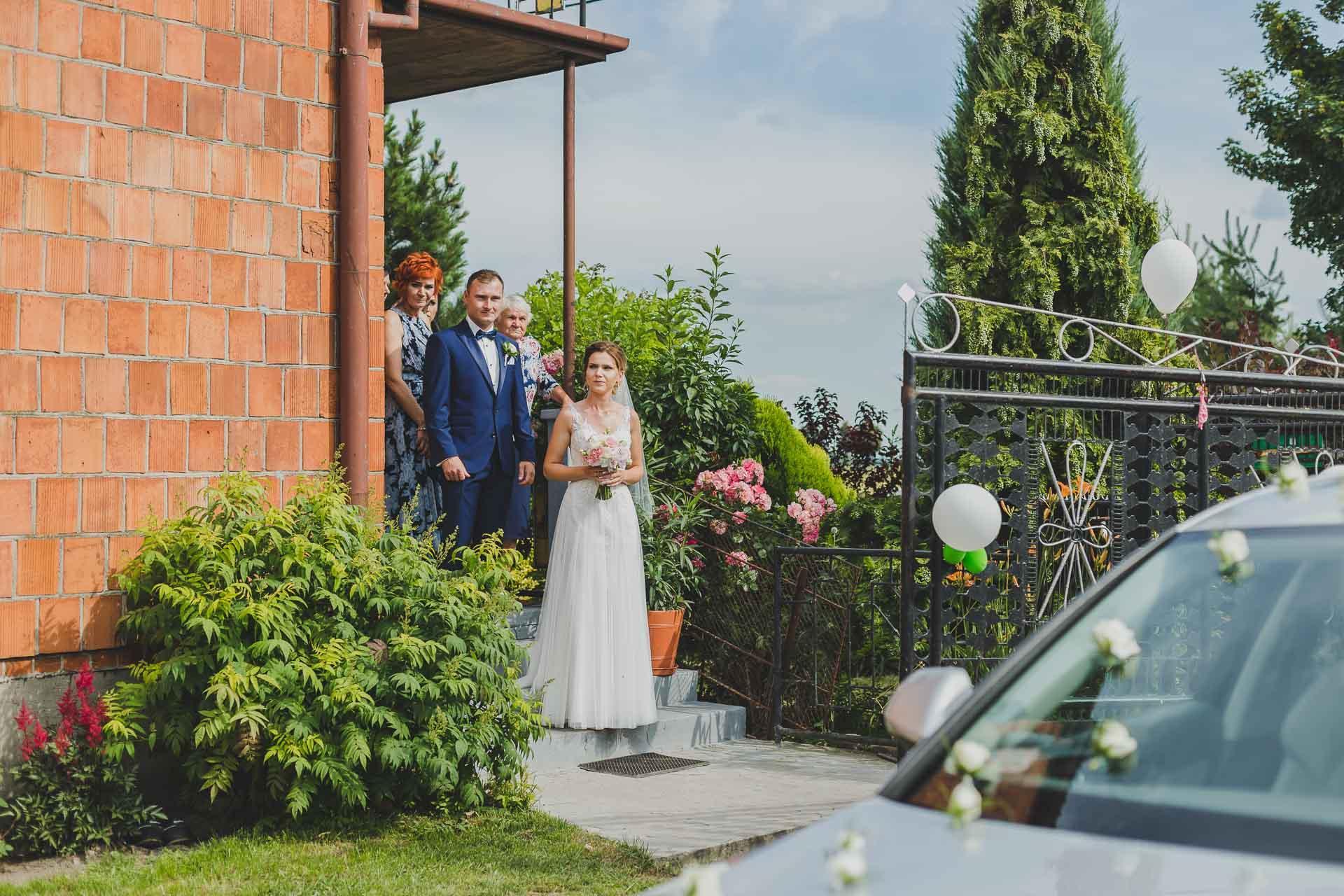Reportaż ślubny - wyjście z domu