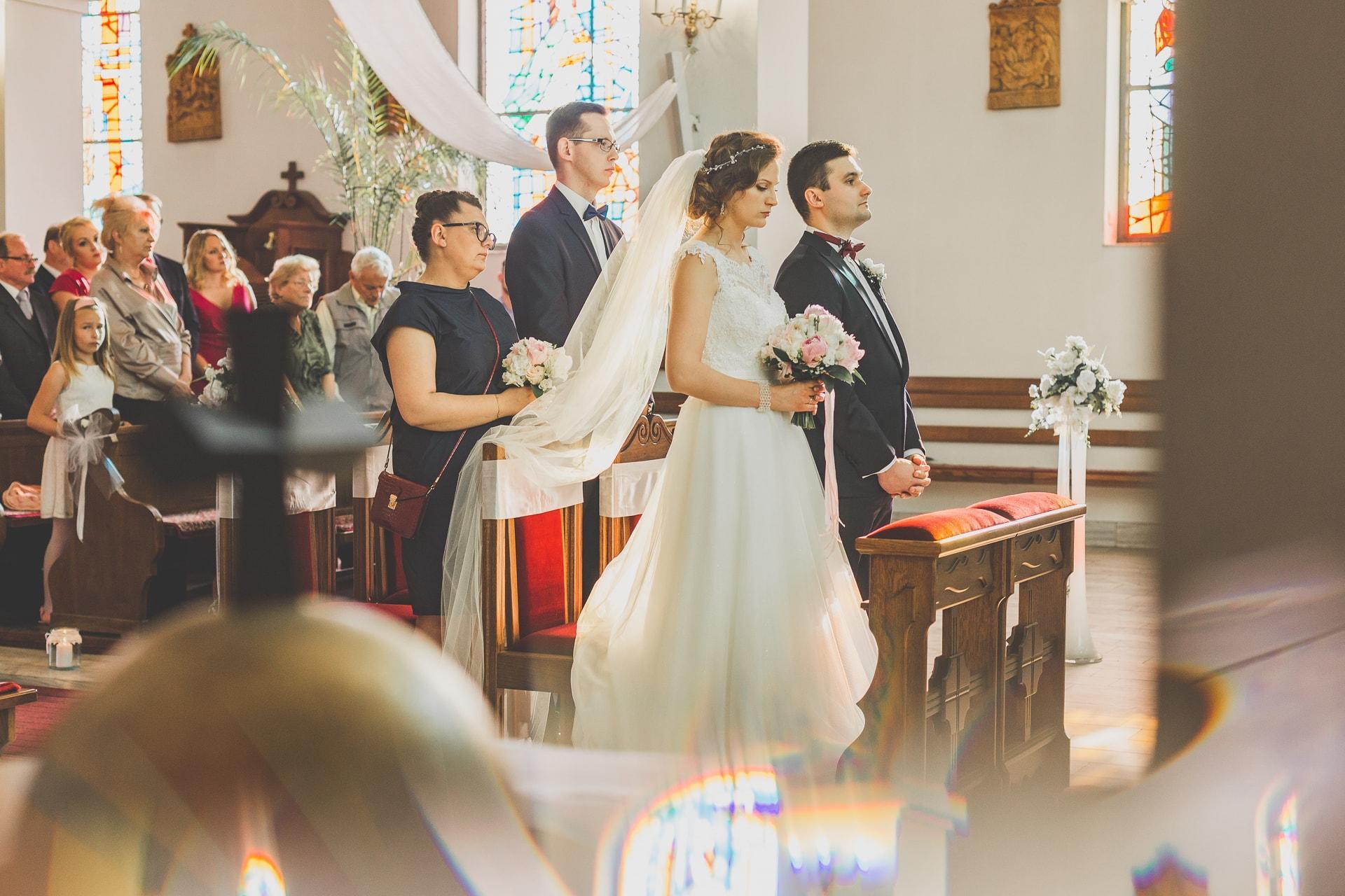 Ślub w kościele w Zgierzu