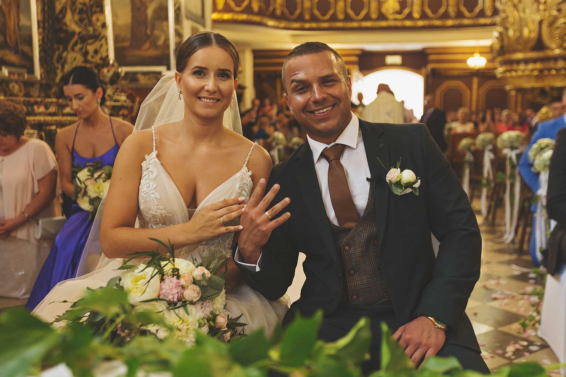 Obrączki ślubne - reportaż ślubny
