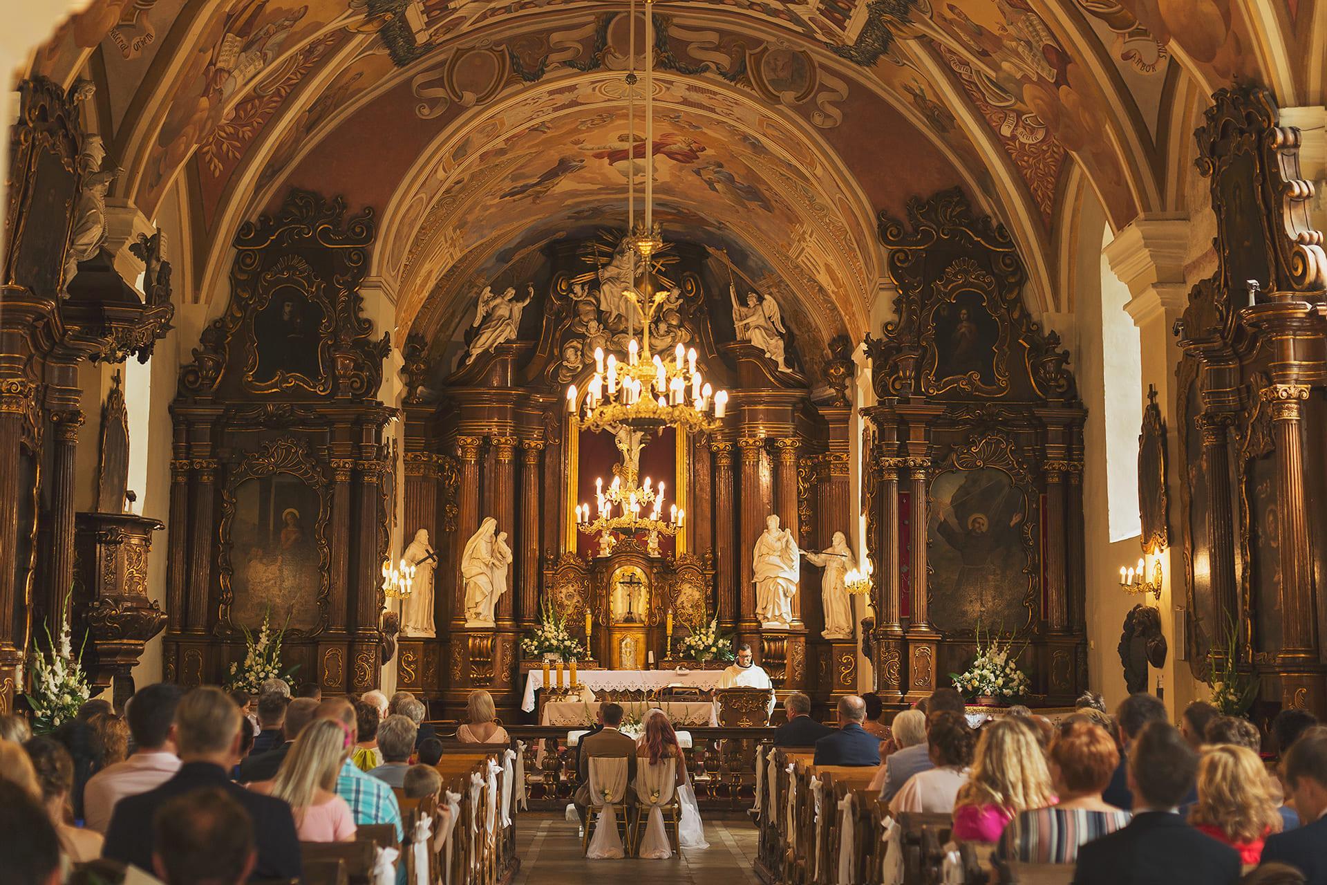 Ceremonia zaślubin kościół