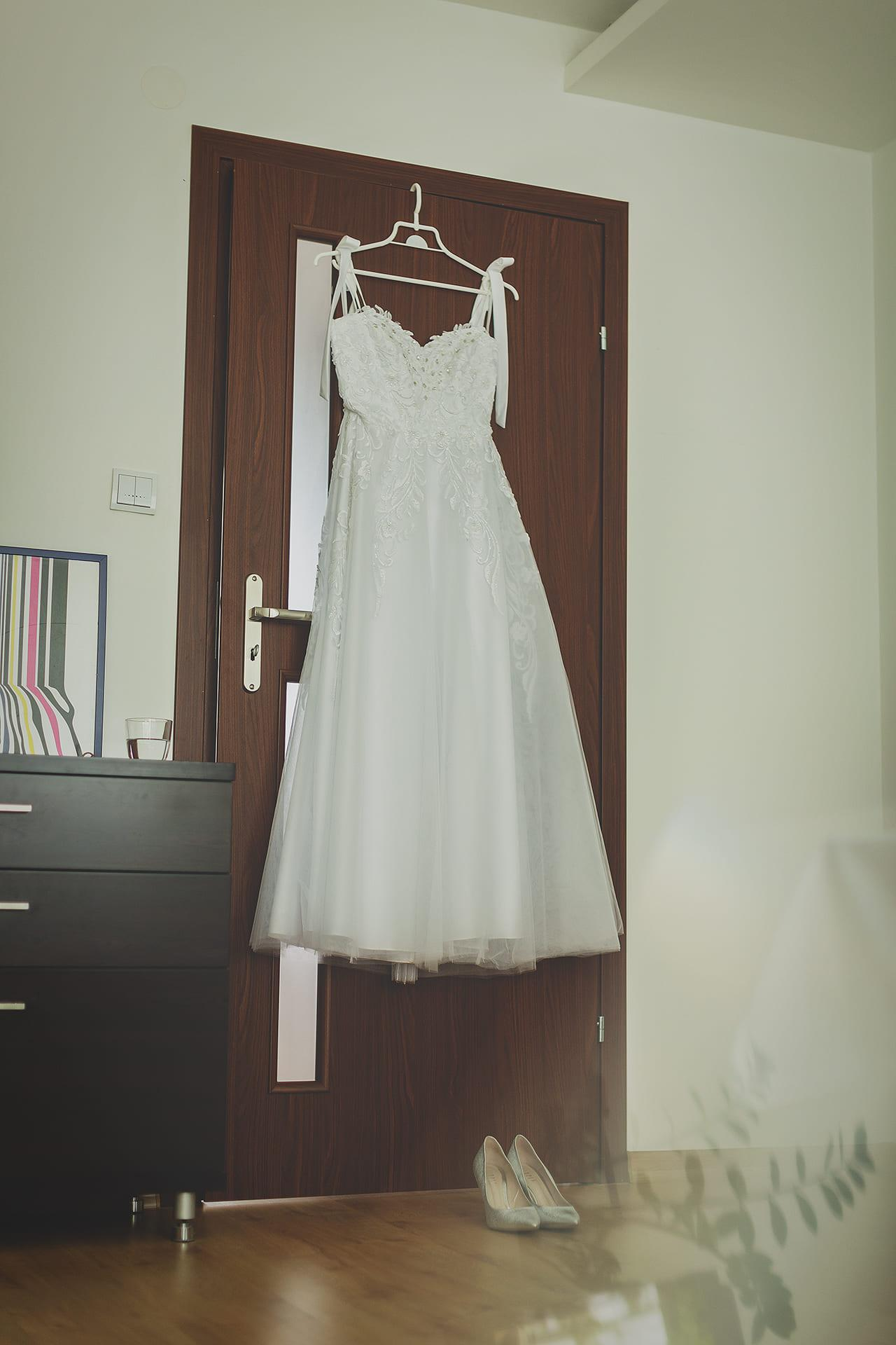 Reportaż ślubny - suknia panny młodej