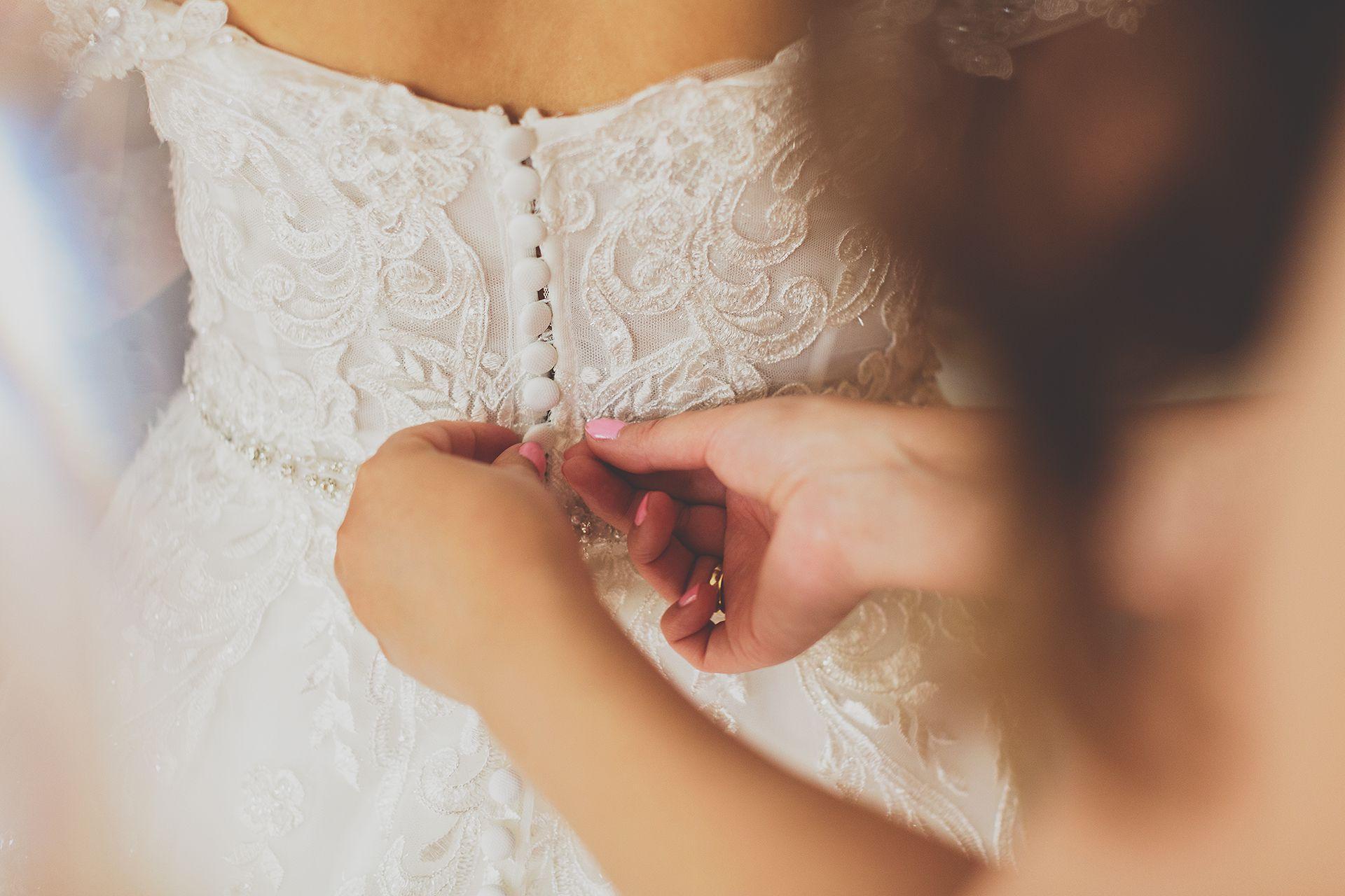 Guziki Suknia Ślubna