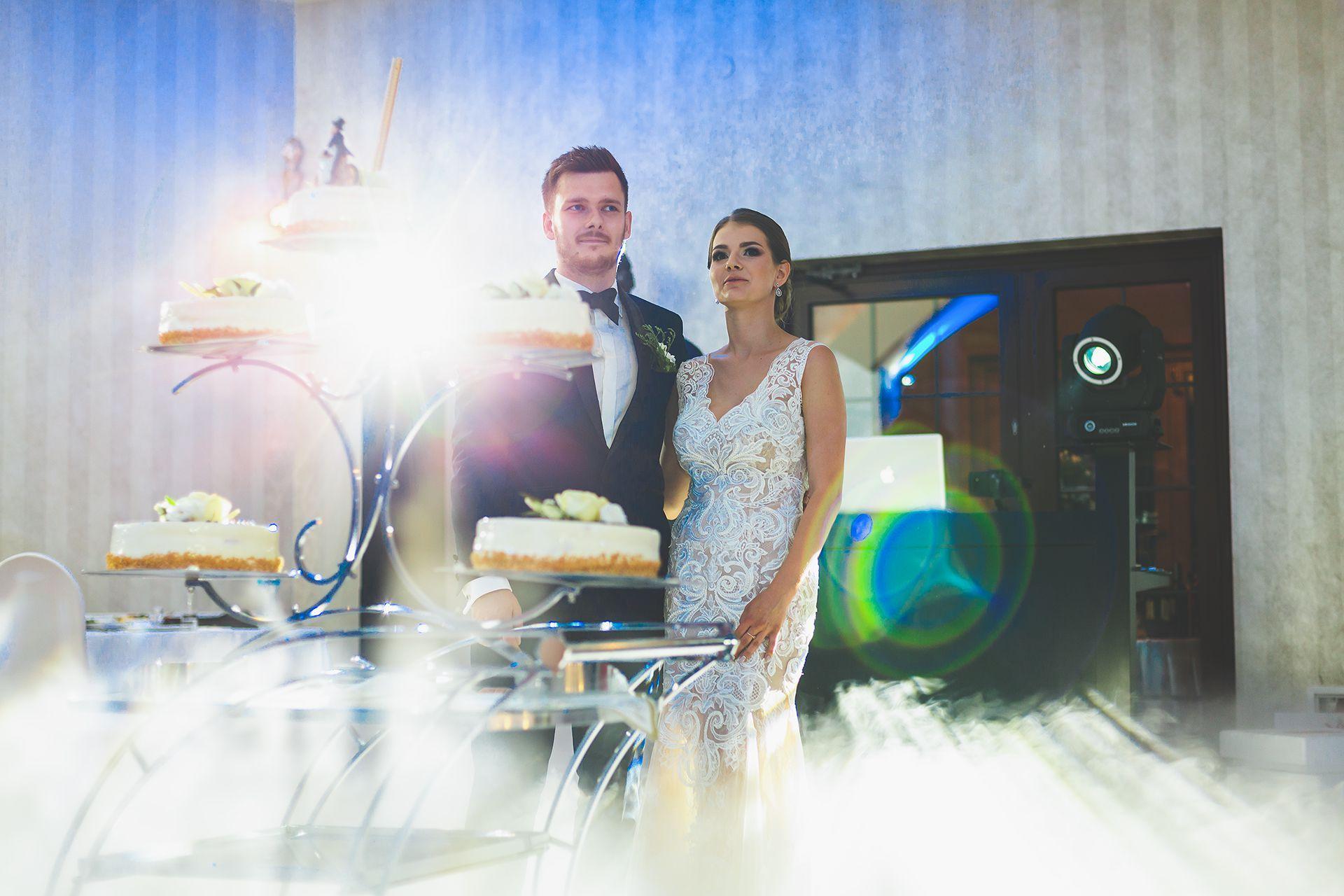 Tort ślubny + ciężki dym