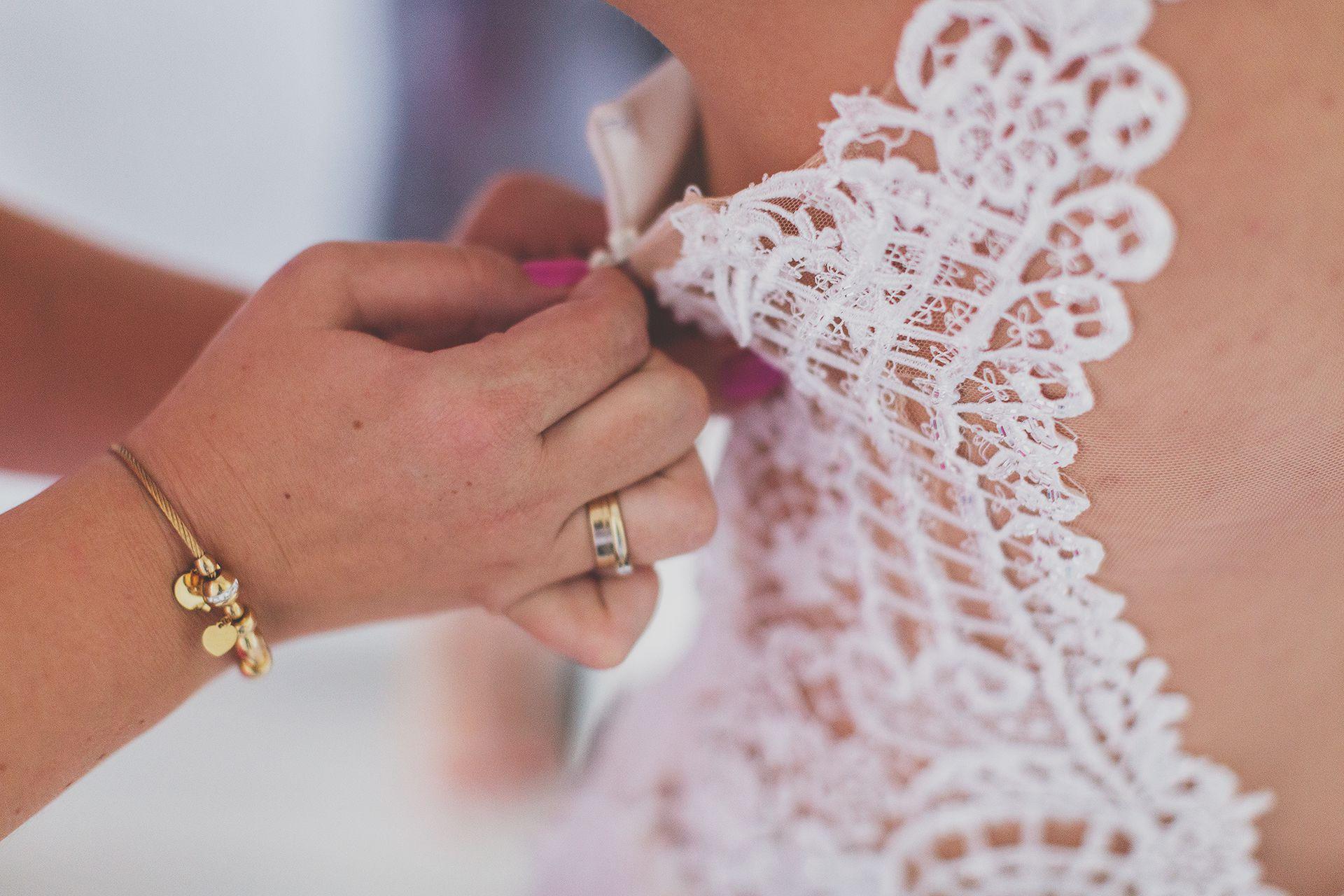 Detal - Zamek sukni ślubnej