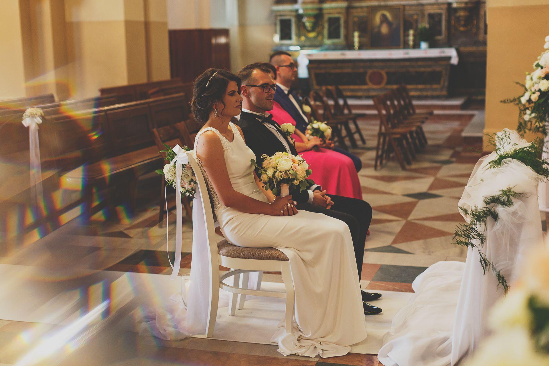 Zdjęcia z kościoła - reportaż ślubny