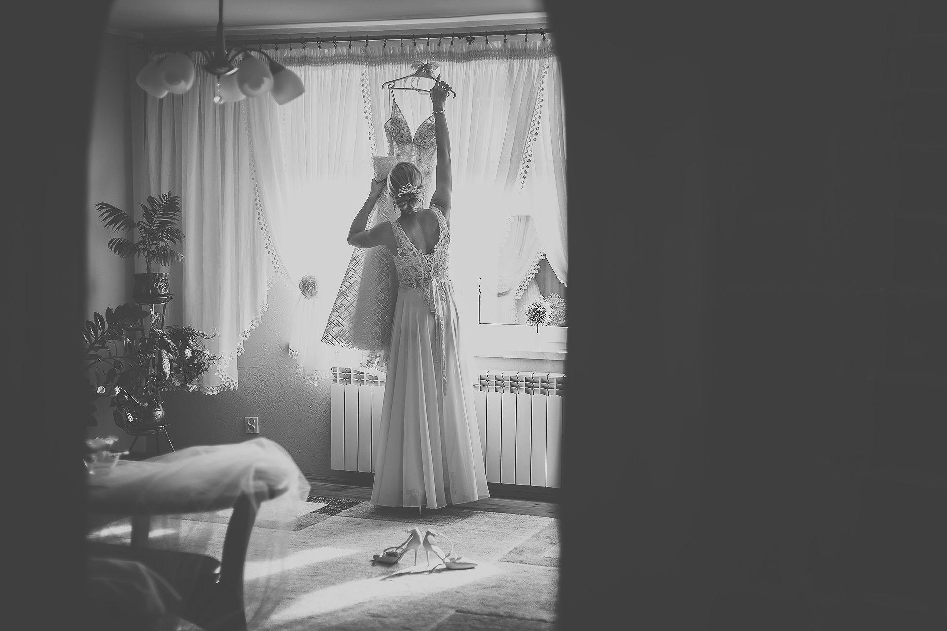 Reportaż ślubny - suknia