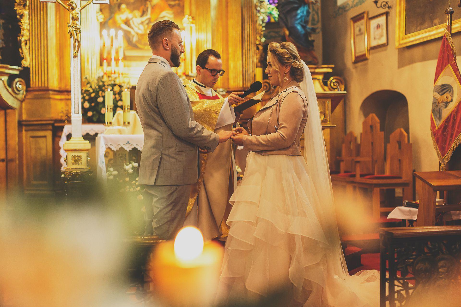 Reportaż ślubny - zdjęcia ze ślubu Katarzyny i Adriana