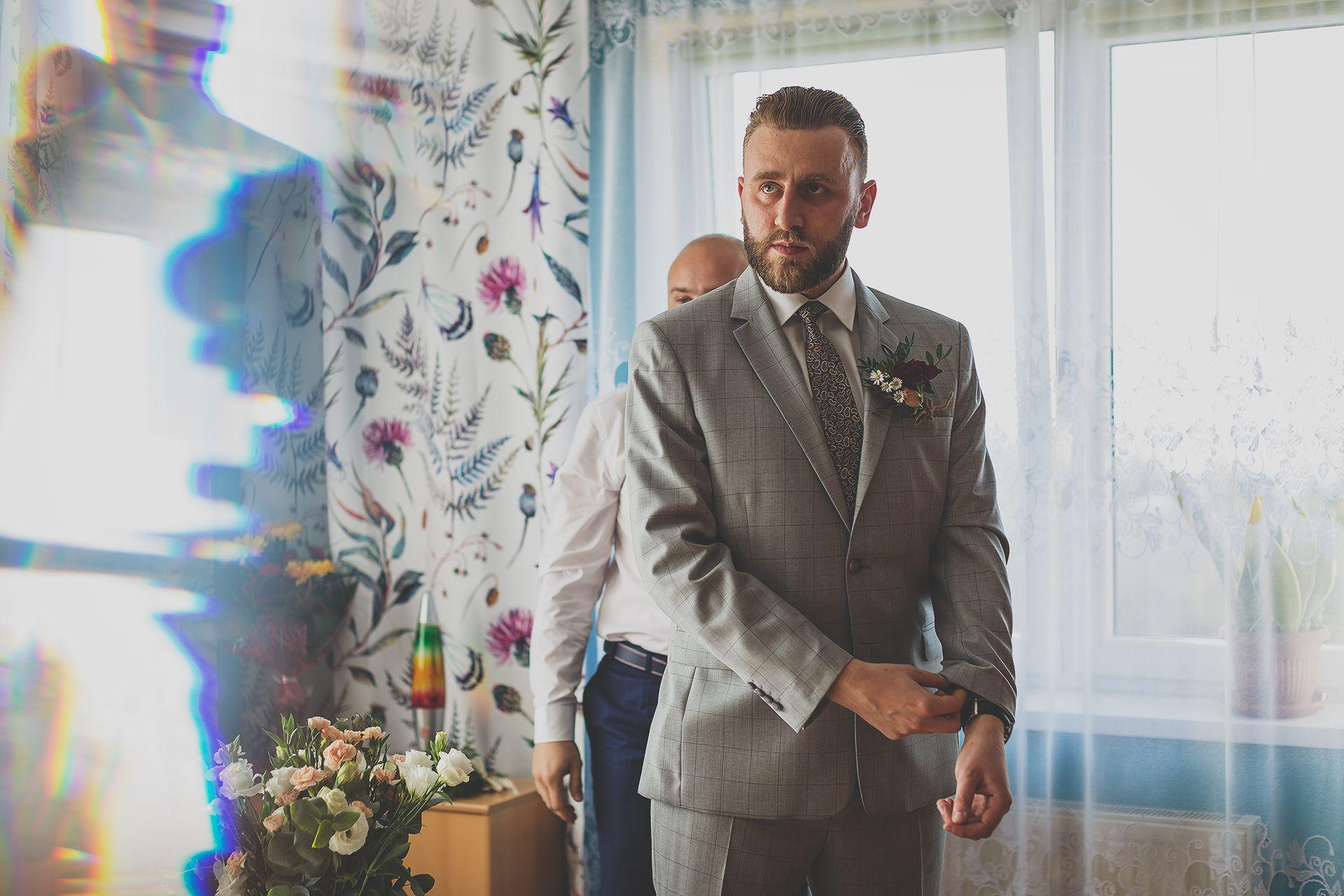 Pan młody - zdjęcia ślubne