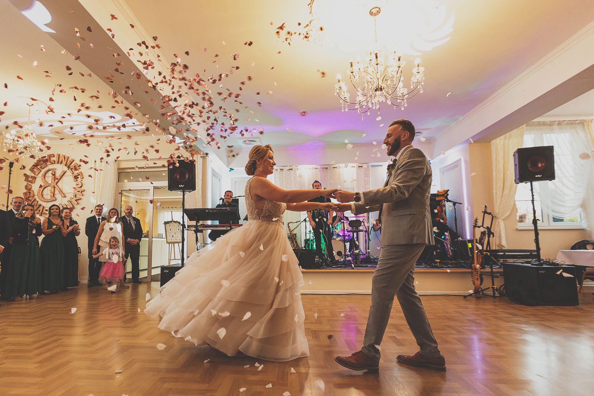 Pierwszy taniec konfetti